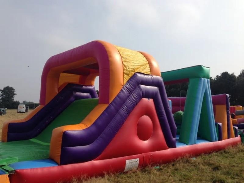 58e4d18b230f1_InflatableObstaclecourse1.thumb.jpg.ed2d8fb8fe749efa153c4ad1c4dda92c.jpg