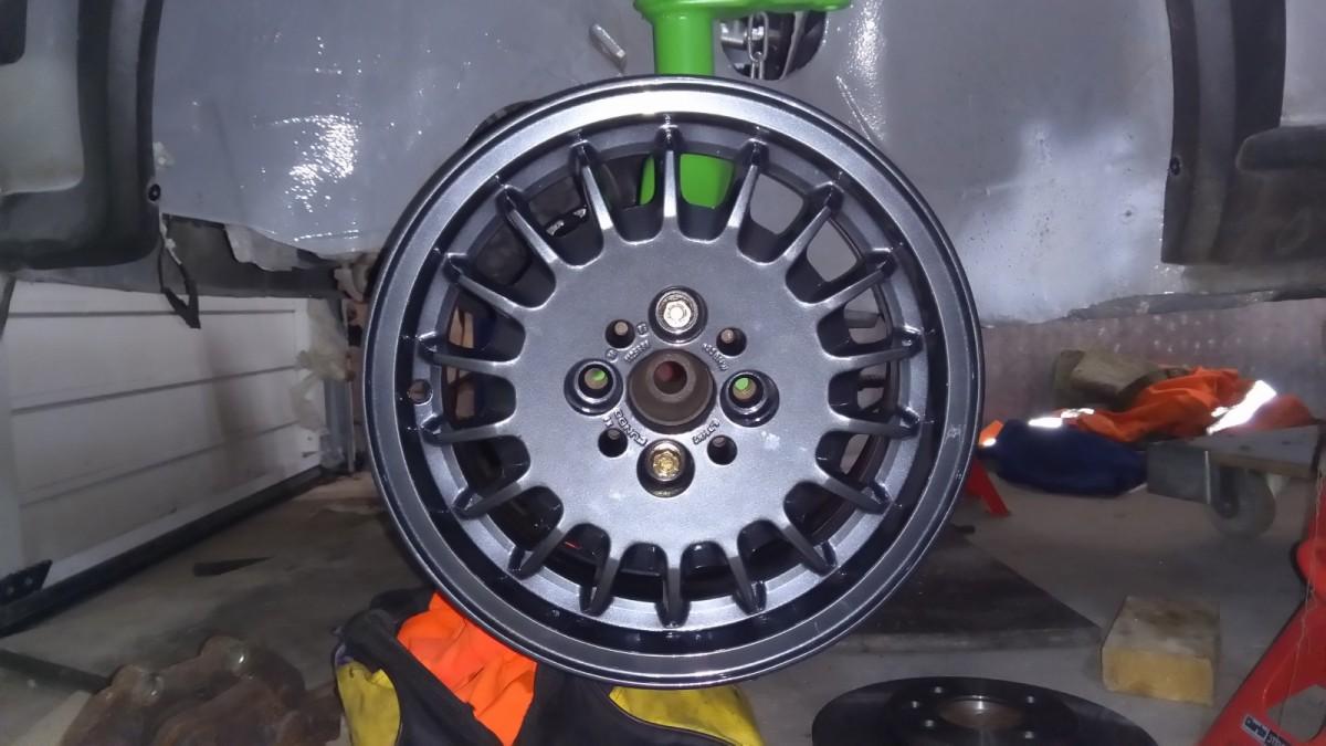 5a4f4eebb514d_Wheels1.thumb.jpg.16e315b5d751bdcb7977300609564bd2.jpg